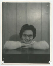 LADY W/ HORN RIMMED GLASSES SMILING ARMS FOLDED 8X10 BW PHOTO