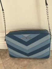 NWT Michael Kors Jet set Chervon LARGE EW Crossbody Bag Messenger bag Sky