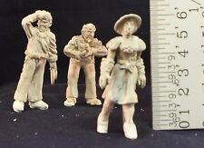 """O/On3/On30/1/48/1:48 – """"2 Wolves and a Fox"""" O Scale Figures (3)"""