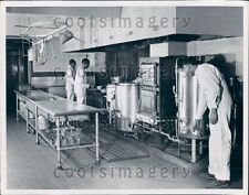 Prisoners Working in Jefferson County Jail Kitchen Alabama Press Photo