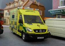 1:76 HO/OO/00 Mercedes Sprinter London Ambulance LAS UV Modular Model Oxford