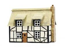 Dapol C020 Thatched Cottage Kit OO Gauge