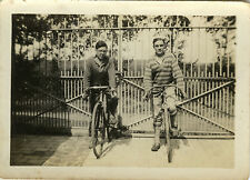 PHOTO ANCIENNE - VINTAGE SNAPSHOT - CYCLISTE VÉLO BICYCLETTE HOMME - BIKE MAN