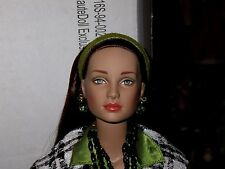 """Tonner """"Checkmate HauteDoll Exclusive Kit"""" #T5-T16S-94-002 - VHTF Beautiful Doll"""