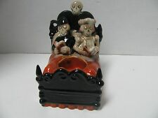 NEW 2010 Couple In Bed Boney Bunch Yankee Candle Halloween Holder Tealight