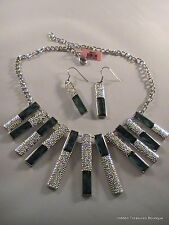Green Leopard Print Chroma Dangle Earrings & Necklace Set Fashion Jewelry NWT