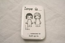 VINTAGE 3'' BY 2'' LOVE IS SOMEONE TO LOOK UP TO PINBACK BUTTON KIM CASALI