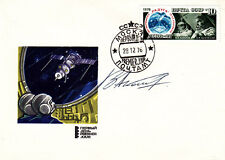 Sojus 22 Space Cover  Signed by Vladimir Aksenov a Russian Cosmonaut Sojus 22