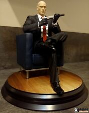 NEW * HITMAN Collectors Editon Chessmaster AGENT 47 Statue Figure
