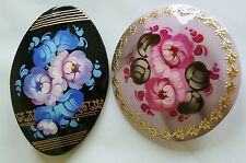 2 Russian traditional lacquered brooches pins floral flowers hand-painted #1