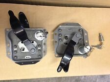LAND ROVER SERIES 2a / 3 FRONT DOOR HANDLE LOCK SET & REAR END DOOR LOCK