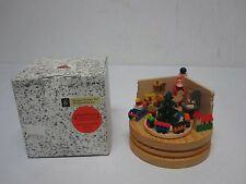 VTG ERZGEBIRGE GERMAN MINIATURE CHRISTMAS SANTAS WORKSHOP ANIMATED MUSIC BOX MIB