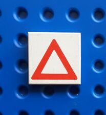 LEGO 3068bp06 TILE 2x2 RED TRIANGLE PATTERN. From set 6472, 6600, 6354 etc