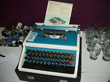 Machine à écrire ancienne UNDERWOOD 315.  Vintage . Collector. Année 70
