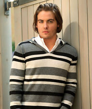 Kevin Zegers UNSIGNED photo - D853 - HANDSOME!!!!!