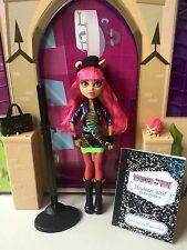Monster High 13 Wishes Howleen Wolf with Pet and Diary