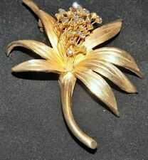 Vintage Judy Lee Gold Tone Flower Brooch with Rhinestone Center Stamens - Signed