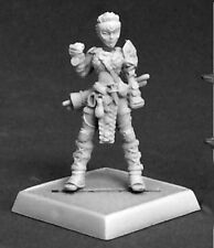 Reaper Miniatures KESS ICONIC FEMALE BRAWLER Pathfinder 60183