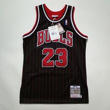 100% Authentic Michael Jordan Mitchell & Ness Pinstripe 95 96 Bulls Jersey 40 M
