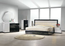 4pc Set Cal.King Size Bed,Nightstand,Dresser & Mirror Black/White Finish Bedroom
