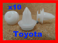 10 Toyota  body trim side moulding clips retainer 9E