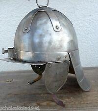 Unbekannte Helm? Mittelalter oder Römer