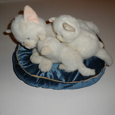 Dan Dee White Momma Cat & 2 Kittens Perched on a Blue & Pink Pillow Kitty Litter