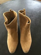 American Eagle 100%  genuine Cow Suede Leather Ankle Boots In Chestnut Size 9