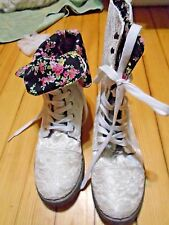 NEW Ladies/Girls Shoes Rue 21 Size 7/8 White Lace Fold over Black flowers