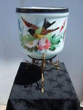 Cache pot en porcelaine de Paris à décor de fleurs et d'oiseau d'époque 19ème