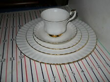 ROYAL ALBERT VAL D'OR 5 PIECE PLACE SETTING