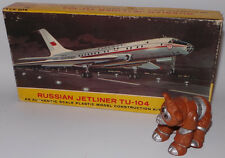 AVIATION : RUSSIAN JETLINER TU-104 PLASTIC MODEL KIT BY LINDBERG. REF: 413