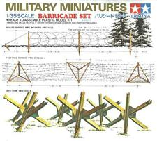 BARRICADE SET (ANTI-TANK & BARBED WIRE OBSTACLES) #35027 1/35 TAMIYA