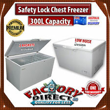 NEW 300 Litre Commercial Grade Chest Freezer with Key Lock and 2 Basket Storage