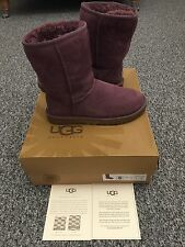 LADIES 'UGG' PURPLE CLASSIC SHORT SUEDE BOOTS. SIZE UK 3.5/EU 36.BOXED.GOOD COND
