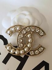NEW 2016 CHANEL STRASS BICOLOR XL CC Logo Pearl Crystal Gold Classic Brooch RARE