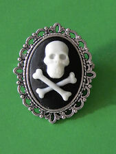 "1 1/2"" Pirate/Undead Style Black SKULL &CROSS'D BONES Cameo IN A SP BROOCH/PIN"
