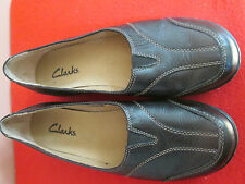 Clarks BLACK Soft Pebbled Leather w/Design Stitching Slide On Shoes Sz 7.5 EXCEL