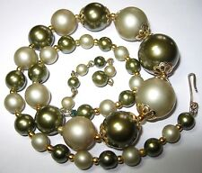 Pretty VINTAGE 1950's Large GREEN Faux Pearl BEAD Costume Jewellery NECKLACE
