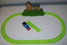 TRACKMASTER Thomas Train Glow in the Dark STORMY NIGHT STATION SET