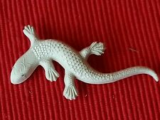 Vintage Art Deco 1930's-1950's Style Cream Lizard Celluloid Brooch