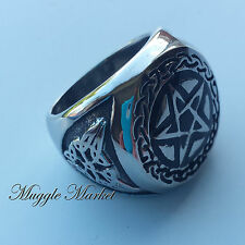 Mens Silver pattern detailed pentagram star Ring. magical/witch/Gothic pentacle
