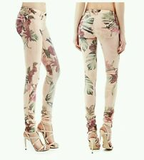 �� GUESS LOW-RISE JEGGINGS WITH COLORFUL FOREST PRINT ��