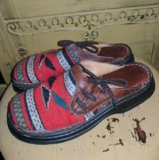BORN WOOL SOUTHWESTERN BLANKET CLOGS MULES 7 38 LEATHER SLIDES FLATS RED
