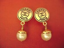 AUTH Chanel CC logo pearl dangle clips earrings
