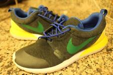 MENS Nike  652804 Roshe Run NM Brazil Tech Fleece Men's size 8 (SHO2000