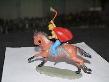 Figurine Starlux: GUERRE DES GAULES CRENELE CAVALIER HUN OU GAULOIS AVEC HACHE