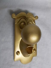 ALICE IN WONDERLAND USED  DOOR KNOB HANGING RESIN CHARACTER PROP GOLD IN COLOUR