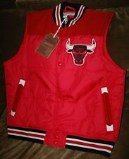Chicago Bulls vest jacket! Men's large New with tags Mitchell & Ness throwback!