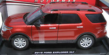 Motormax 1/18 Red 2015 Ford Explorer XLT SUV - Civilian Street Version